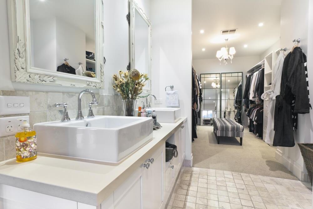 10 Bathroom Ideas that Brighten a Lonely Washroom