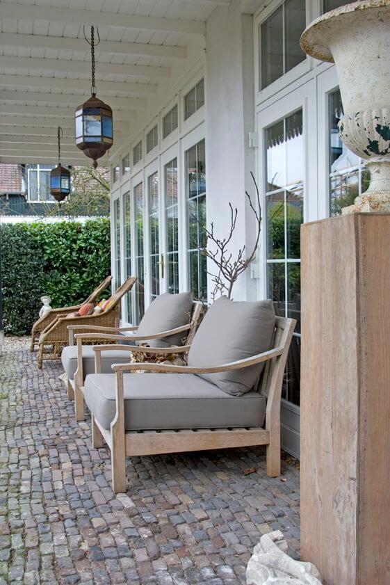 cobblestone patio flooring