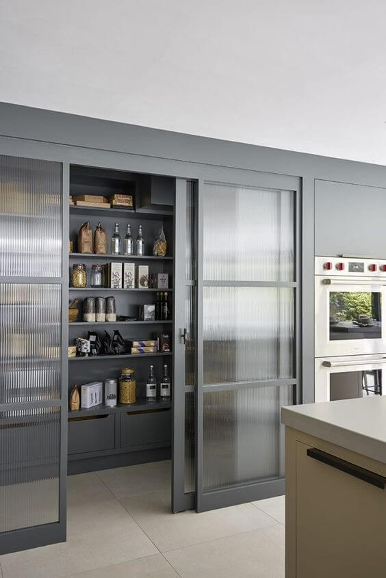 Plan these 9 Items Thoroughly to Achieve an Ergonomic Pantry