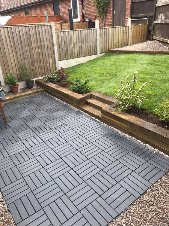 Patio floor - Decking tiles