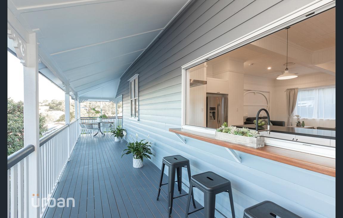 Indoor-outdoor Kitchens