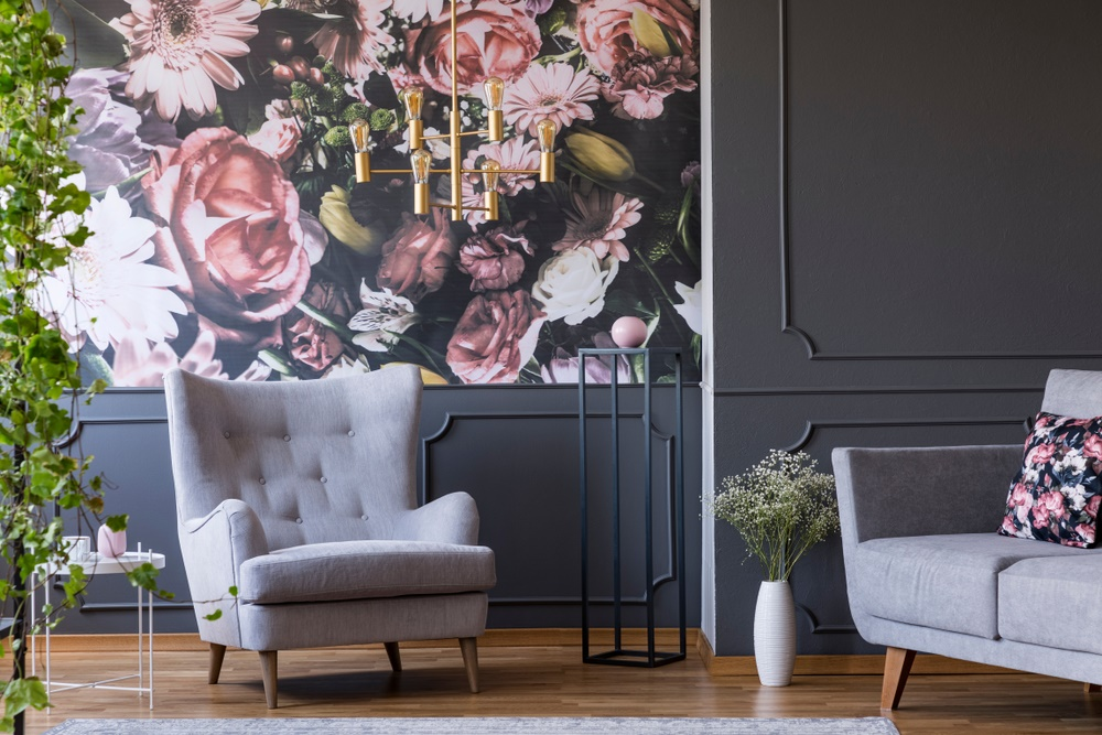 How to Make a Big Statement Using Oversize Florals
