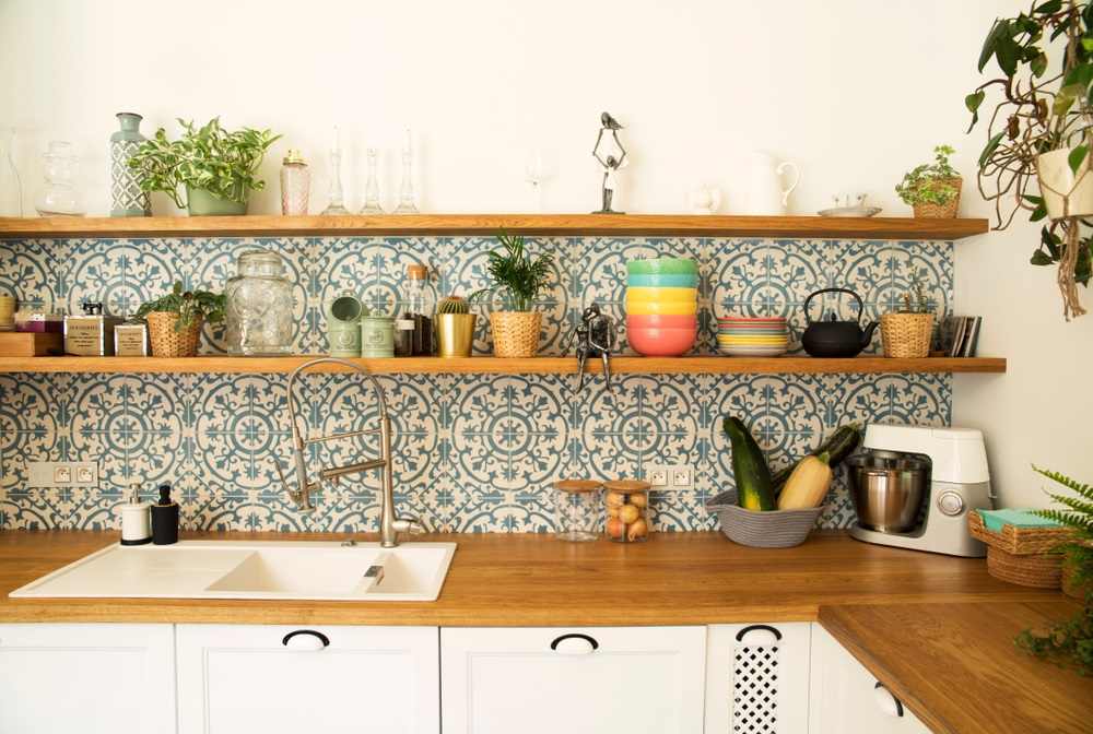 9 Things That You'll Love in this Casual Mediterranean Kitchen
