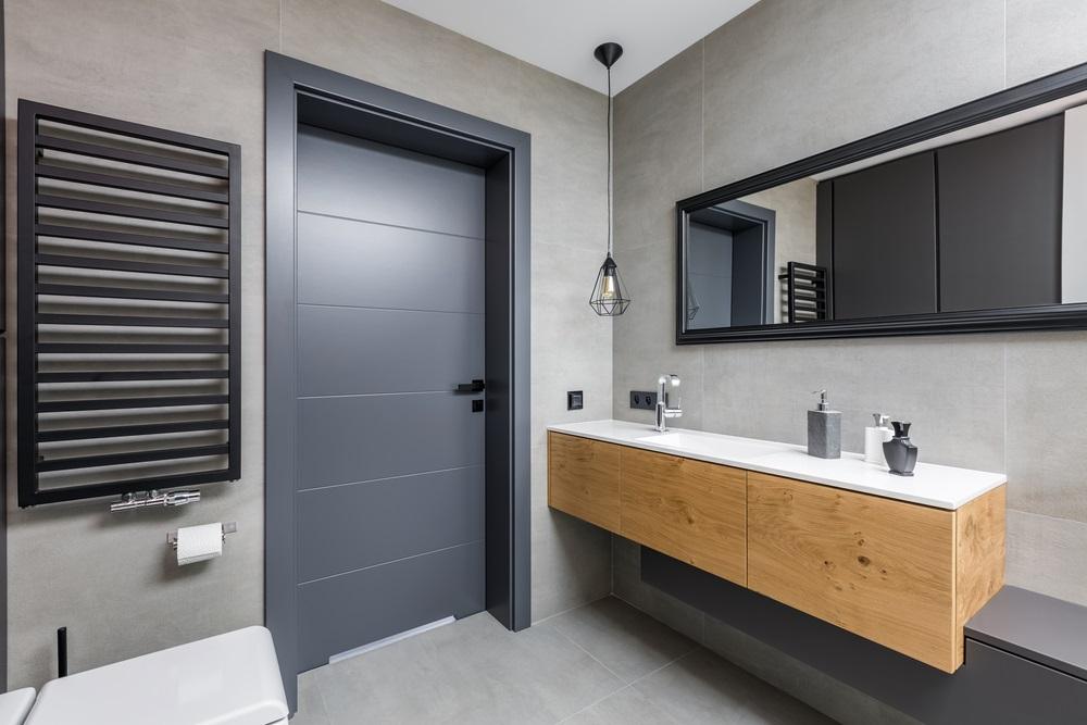 Stunning Grey Bathroom Design