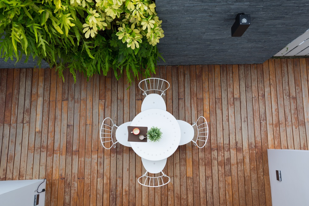 9 Deck Design Ideas to Upgrade Your Outdoor Entertaining
