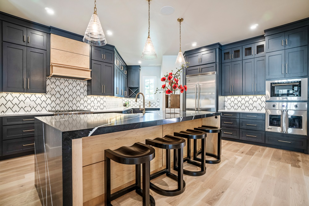 How To Pair Dark Kitchen Cabinets And Dark Benchtops Superdraft