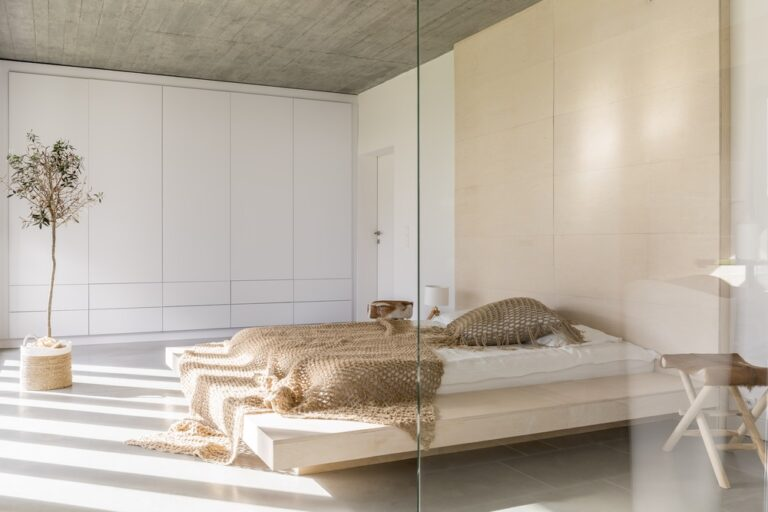 minimalist home interiors