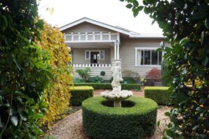 california bungalow, hamptons garden