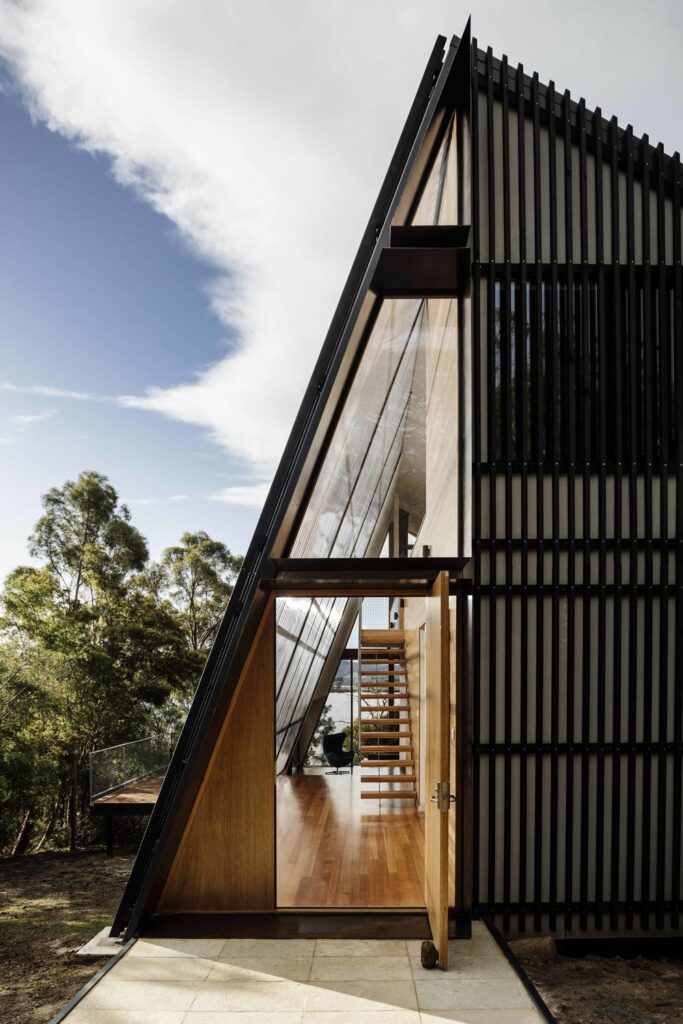 Apollo Bay Beach House by Dock 4 Architects and Aspect Building Solutions