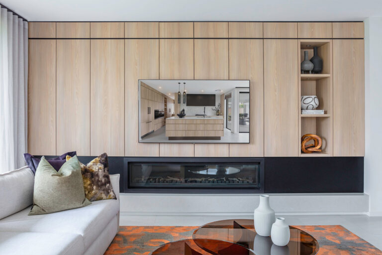 """""""The blonde timber aesthetics of the Casentino Beech Woodmatt used in this joinery is not heavy on the eyes."""""""