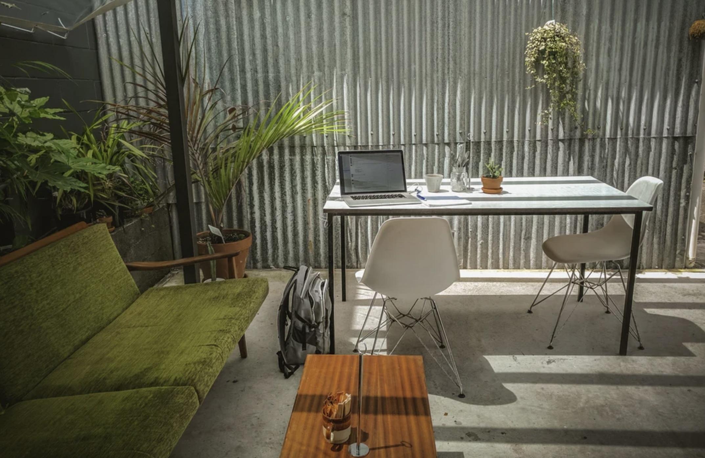 casual al fresco workspace set-up