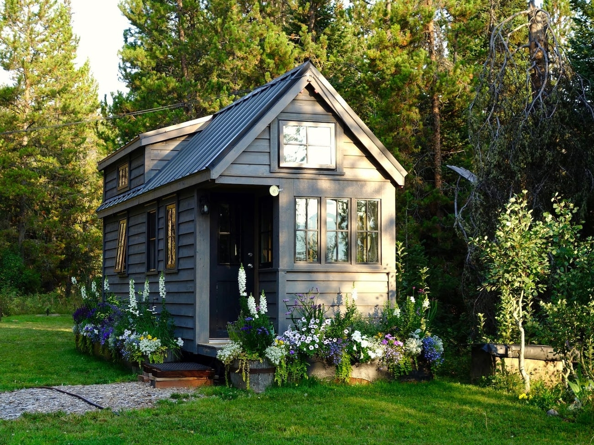 high roof pitch tiny home