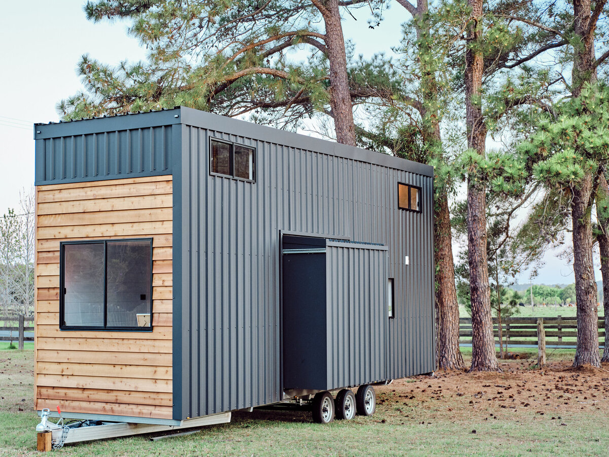 one-box container home with wheels perfect for travelling